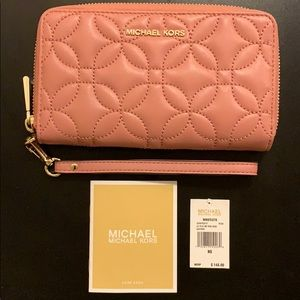 NEW Micheal Kors Rose Wristlets Leather Wallet